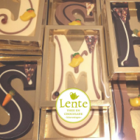 Lente Thee en chocolade letters sinterklaas